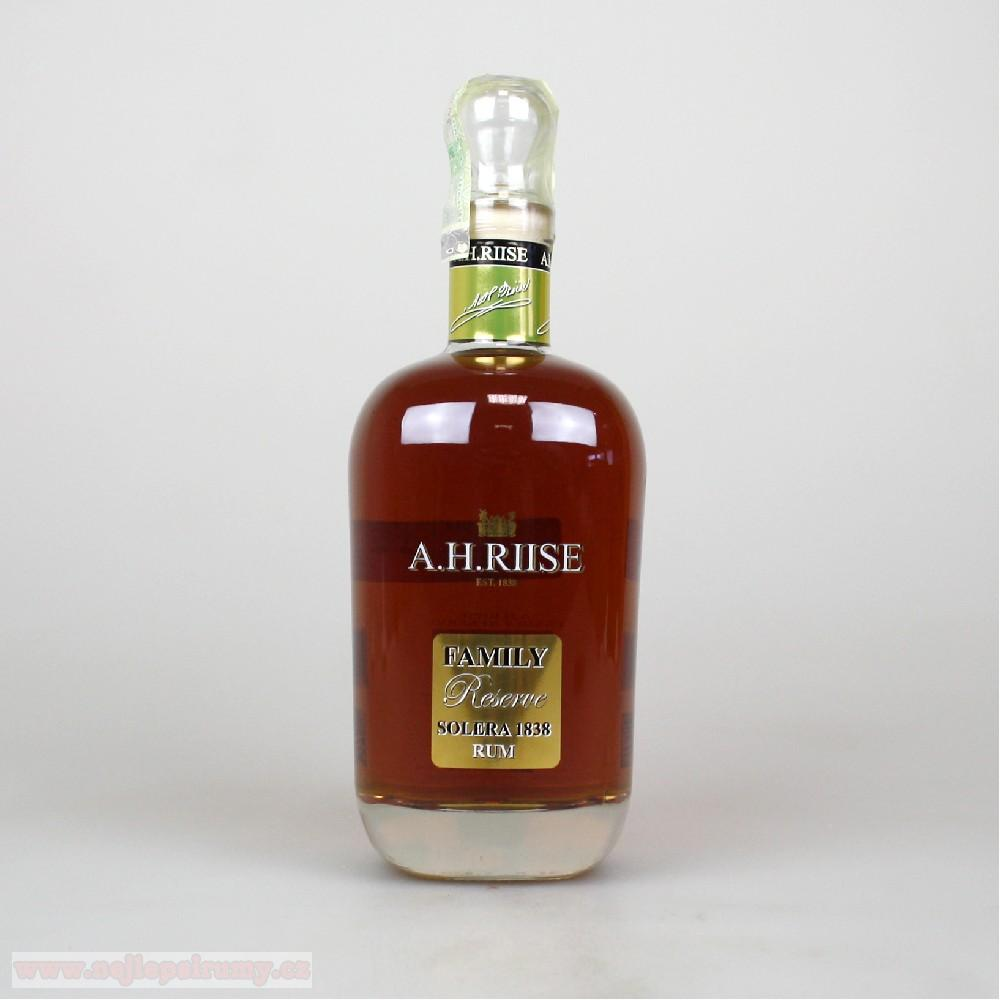 A.H.Riise Family Reserve Solera 42% 0.7L